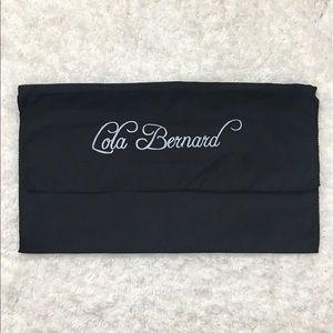 Lila Bernard | Black dust bag